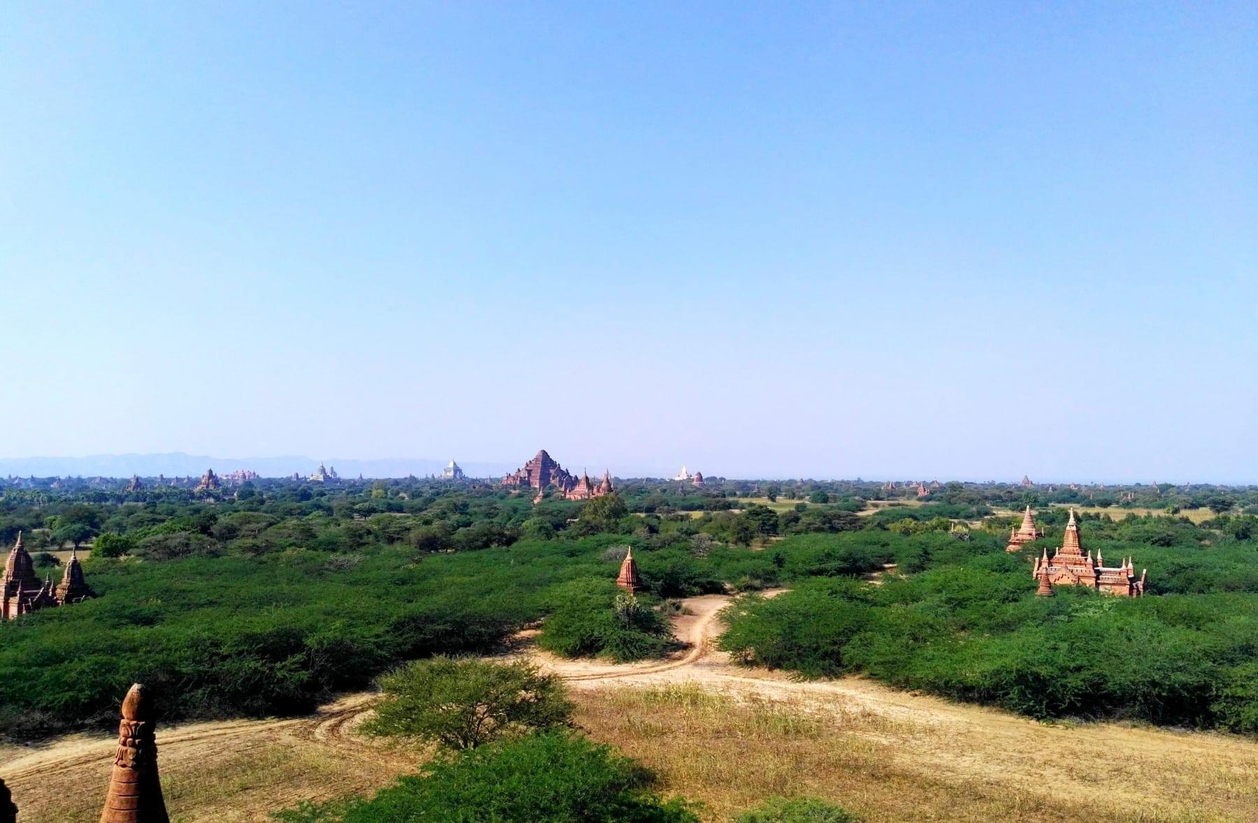 Výhled na rozlehlý Bagan, Myanmar