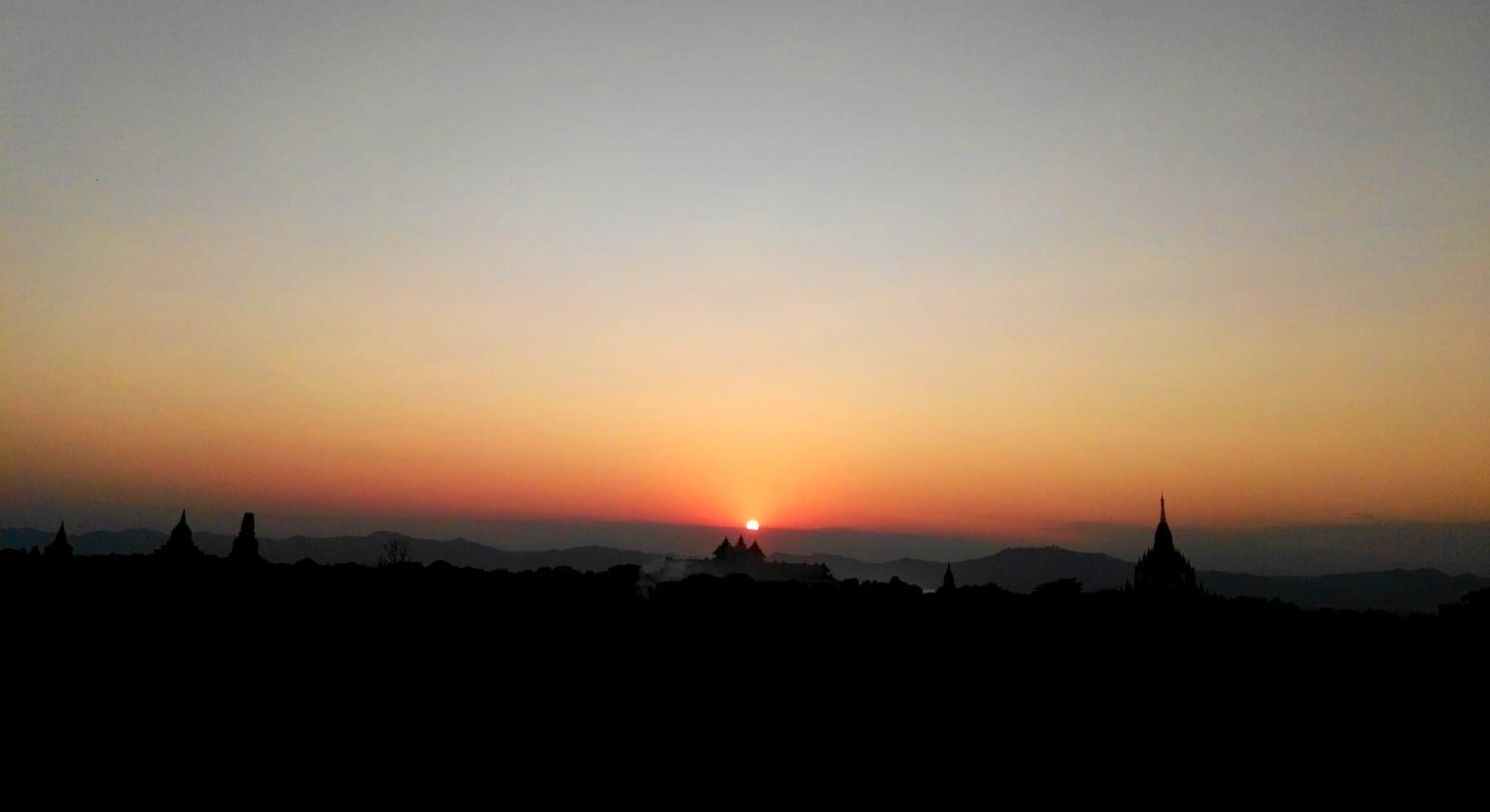 Západ slunce, Bagan, Myanmar