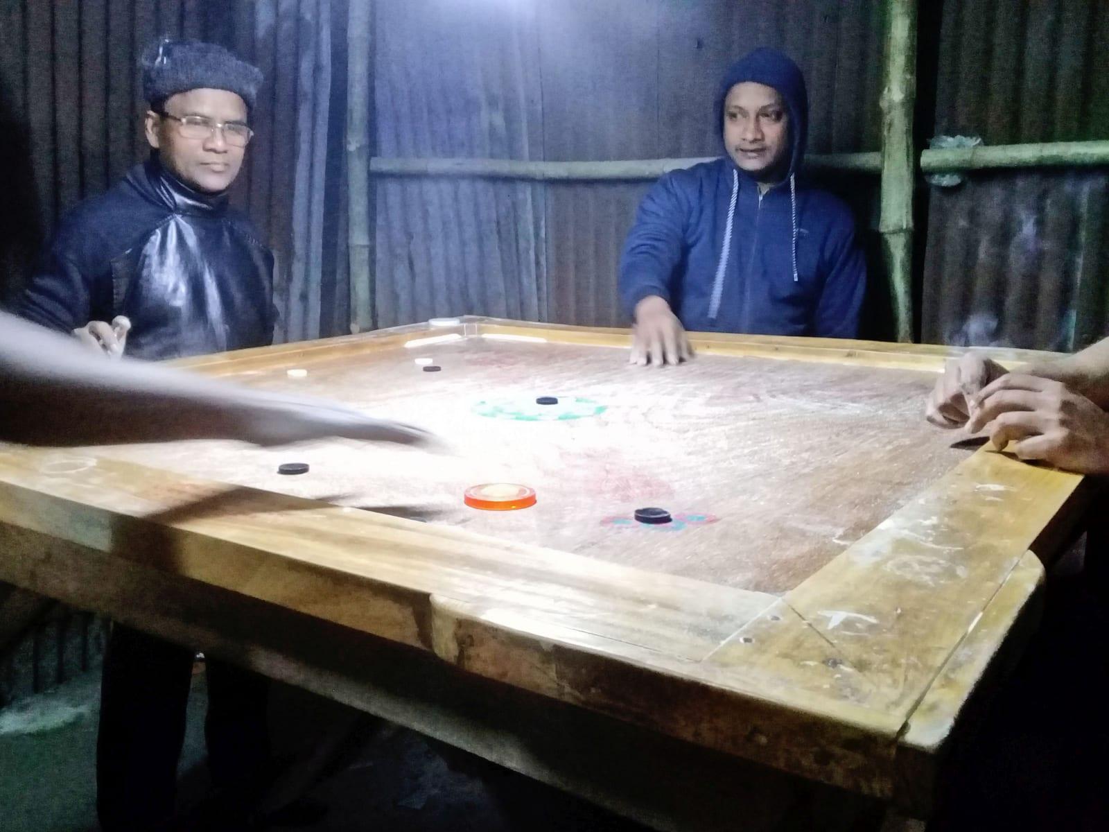 Hráči karambolu, Bangladéš