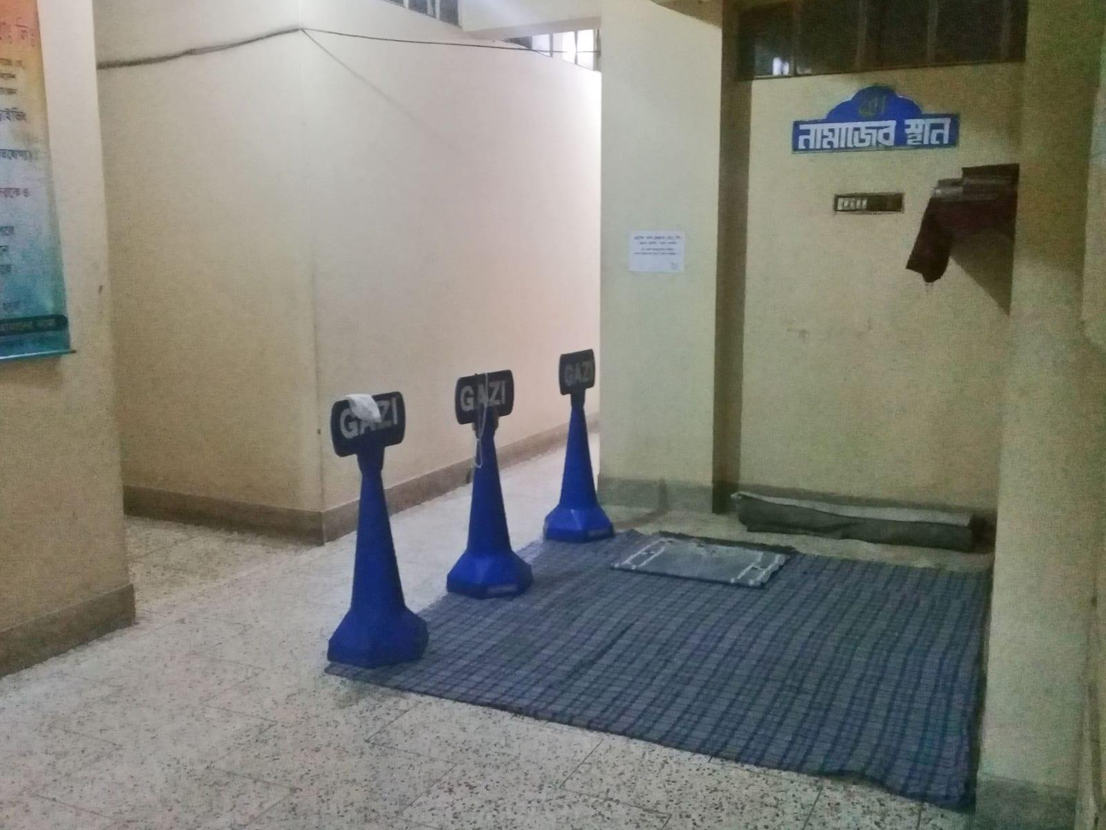Modlitební koberečky v hotelu, Dháka, Bangladéš