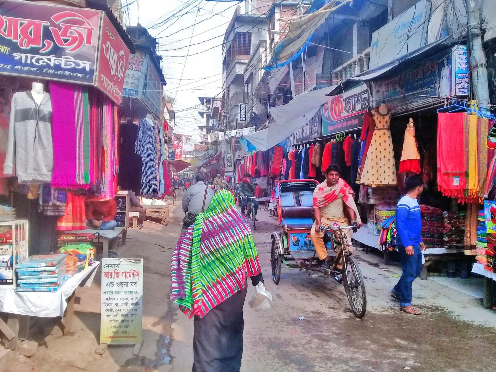 Pohled do bangladéšské ulice, Dháka, Bangladéš