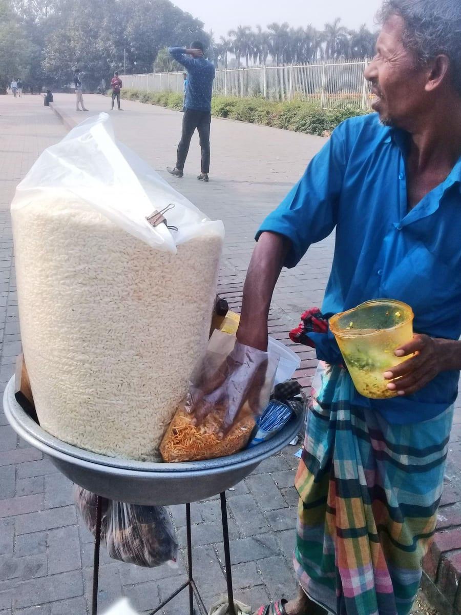 Pufovaná rýže zvaná Muri, nečekejte žádné hygienické standardy, Bangladéš