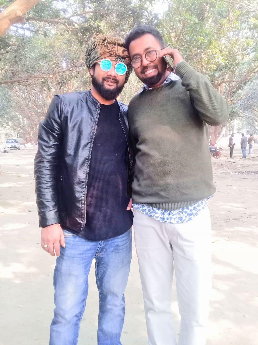 Bratr Mehedi v pravo s jeho nejlepším přítelem, AID Foundation, Bangladéš