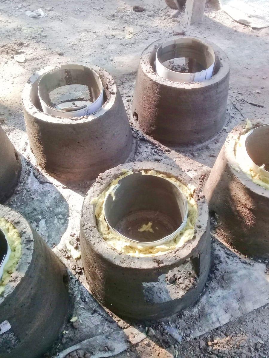 Foto z-produkce topných vařičů, Bangladéš