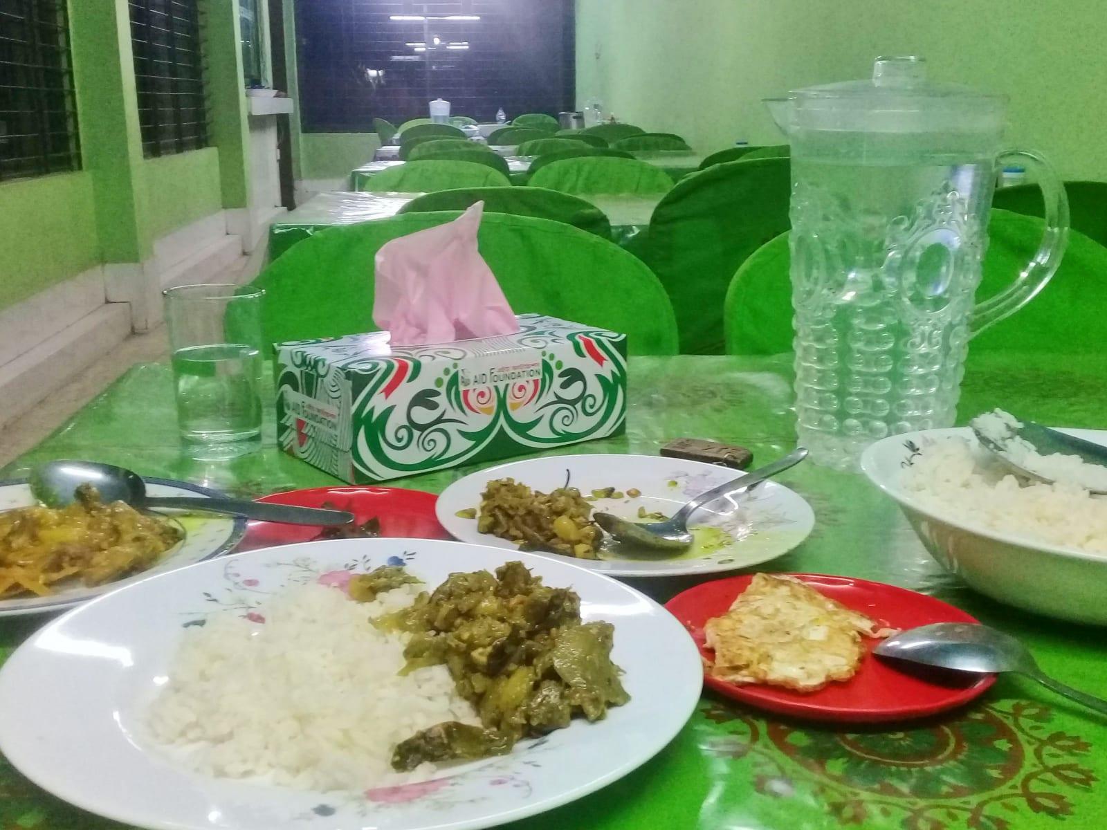 První večeře v AID Foundation, Bangladéš