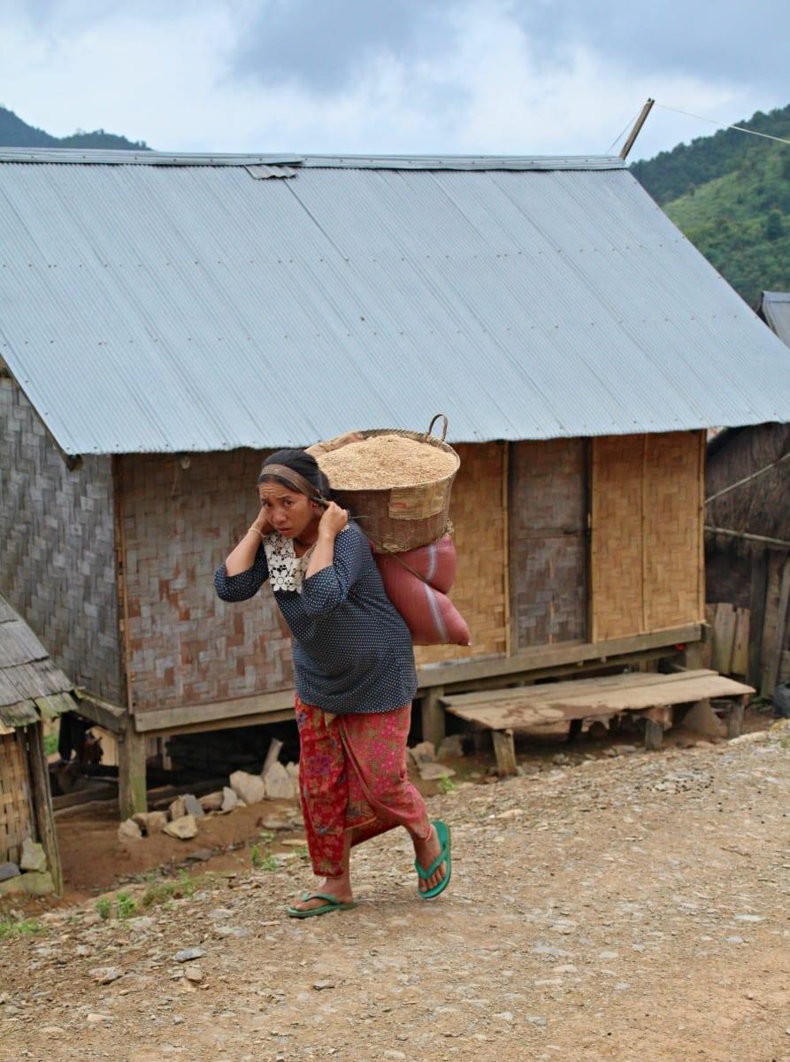 Nelehký život horských etnik v severním Laosu