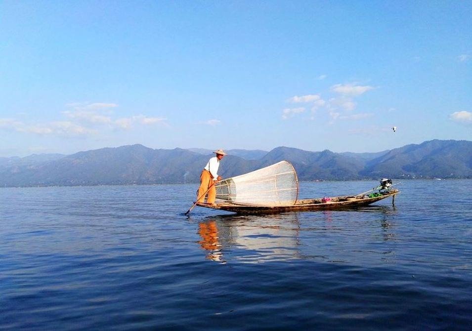 Rybáři na jezeře Inle Lake