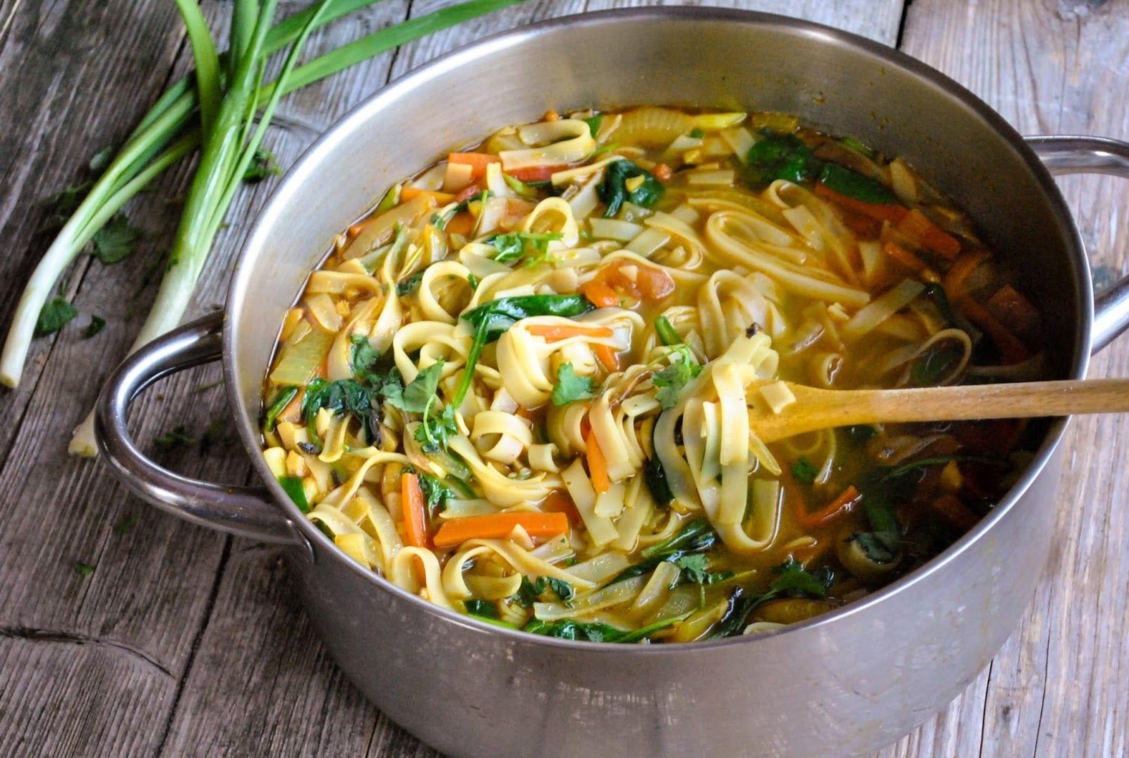 Vydatná nudlová polévka Thukpa