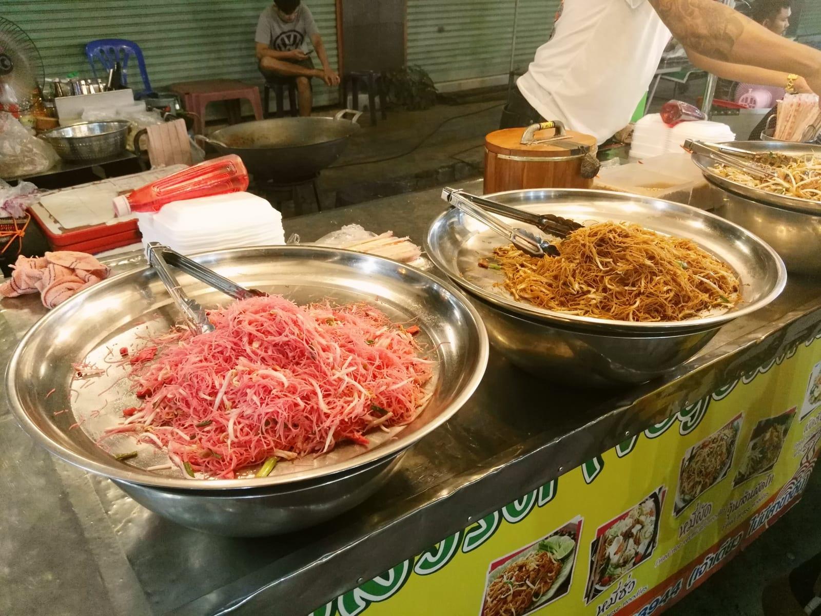 Night market, Kanchanaburi, Thajsko
