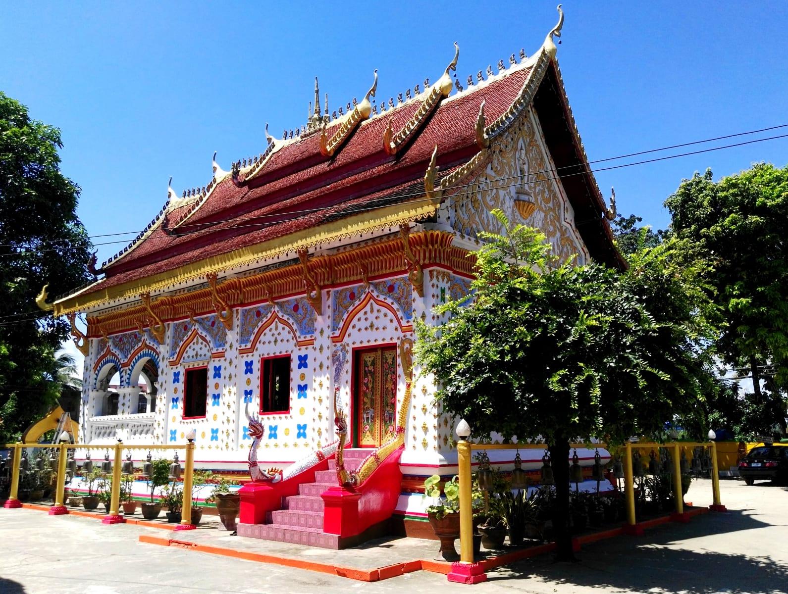 Typické malby se objevují i na chrámech, Chiang Khan, Loei, Thajsko