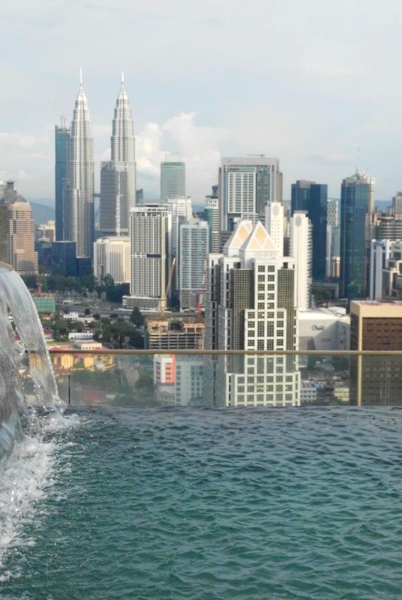 Výhled z bazénu Regalia Residence, Kuala Lumpur, Malajsi
