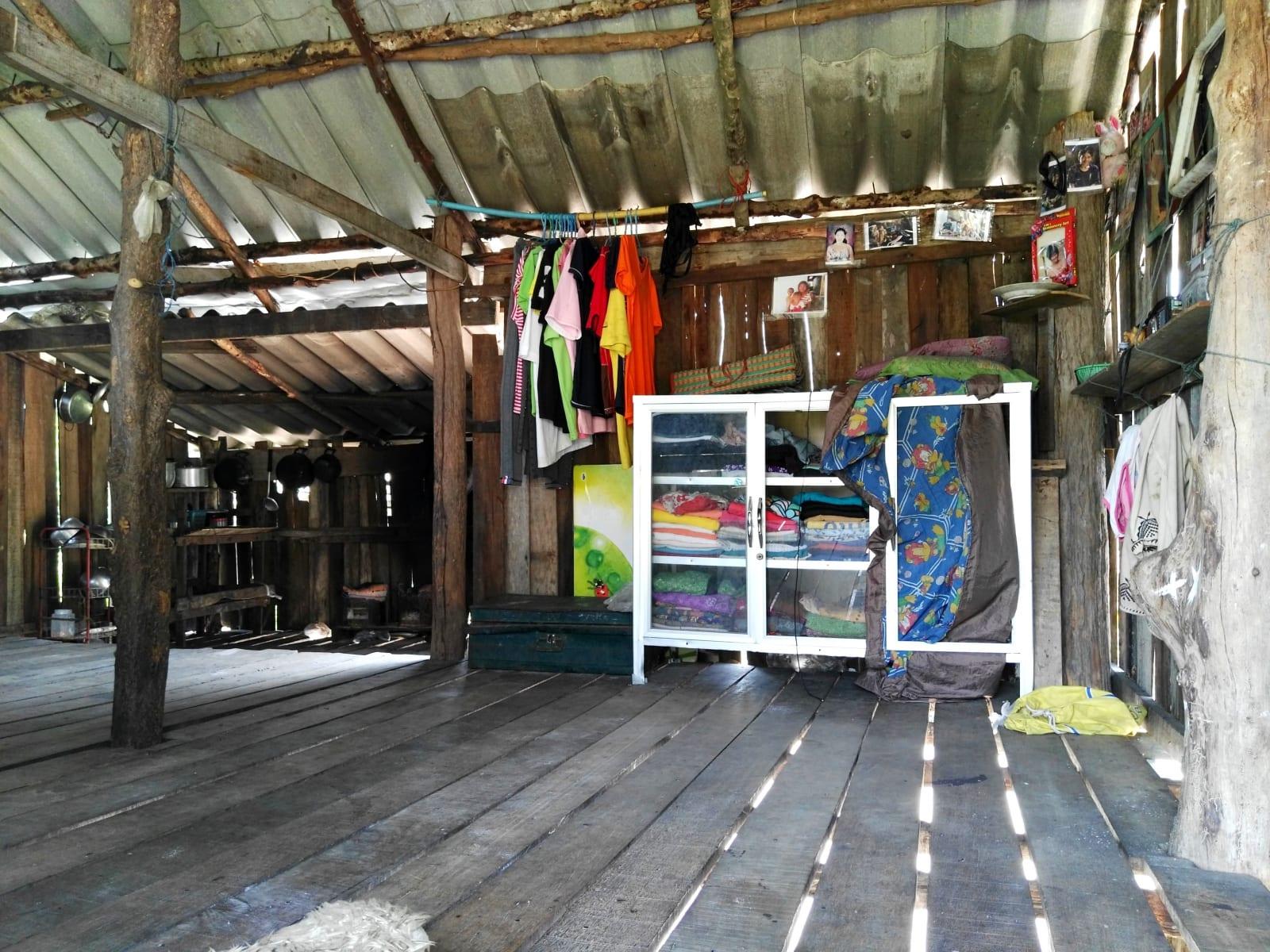 Obydlí Moken sea gypsy, Koh Phayam, Thajsko