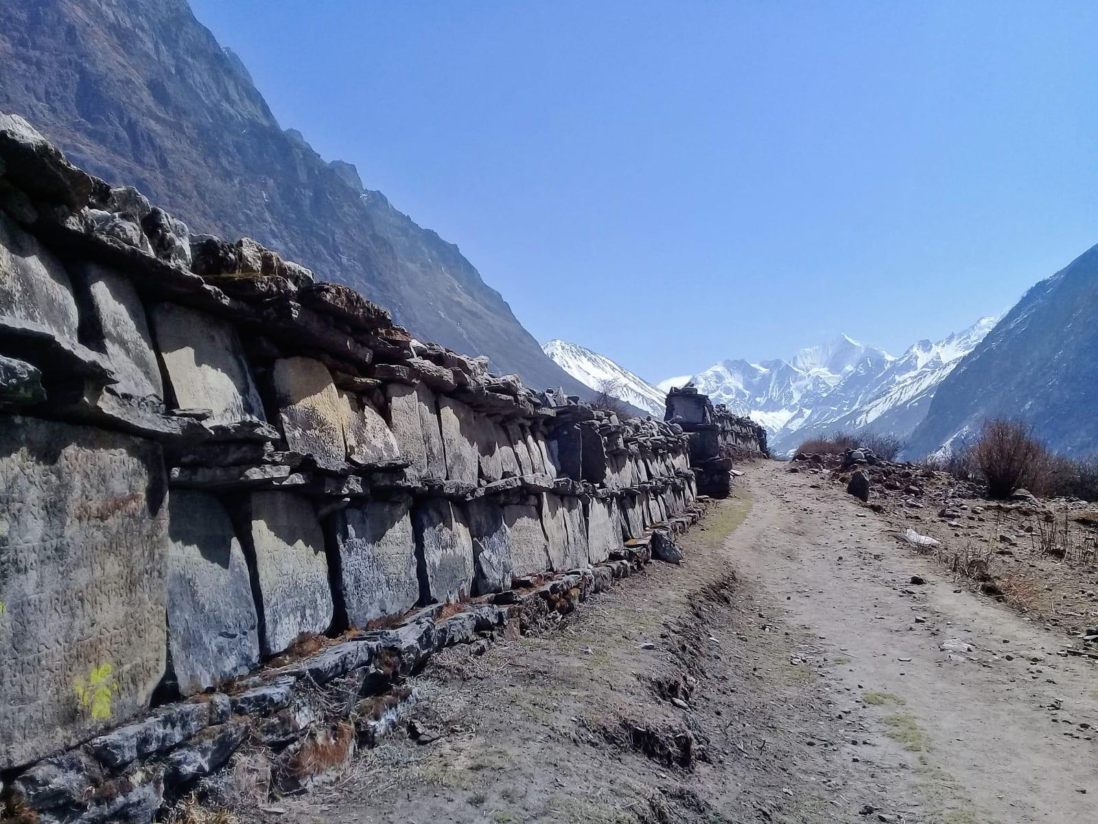 Motlitby vytesané do kamenných tabulí, Nepál
