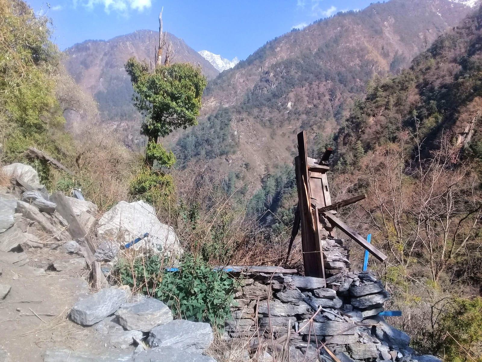 Pozůstatky-po-zemětřesení-Nepál
