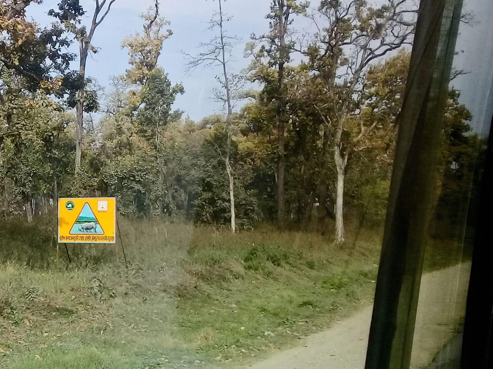 Pozor nosorožci, Suraha, Nepál