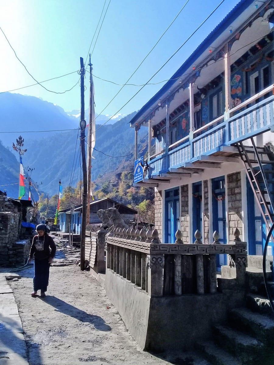 První-ráno-na-treku-Syabrubesi-Nepál