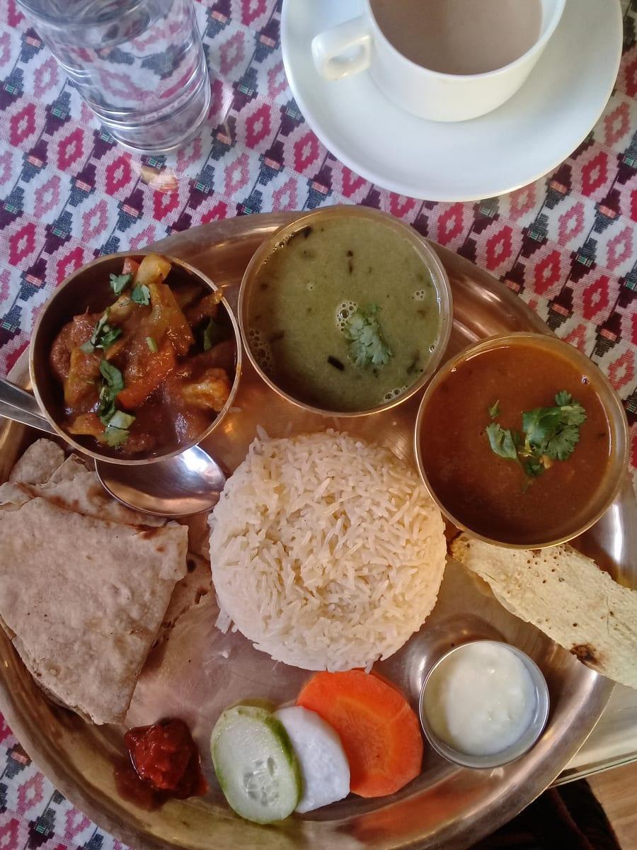 Thakali - tradiční jídlo v Nepálu