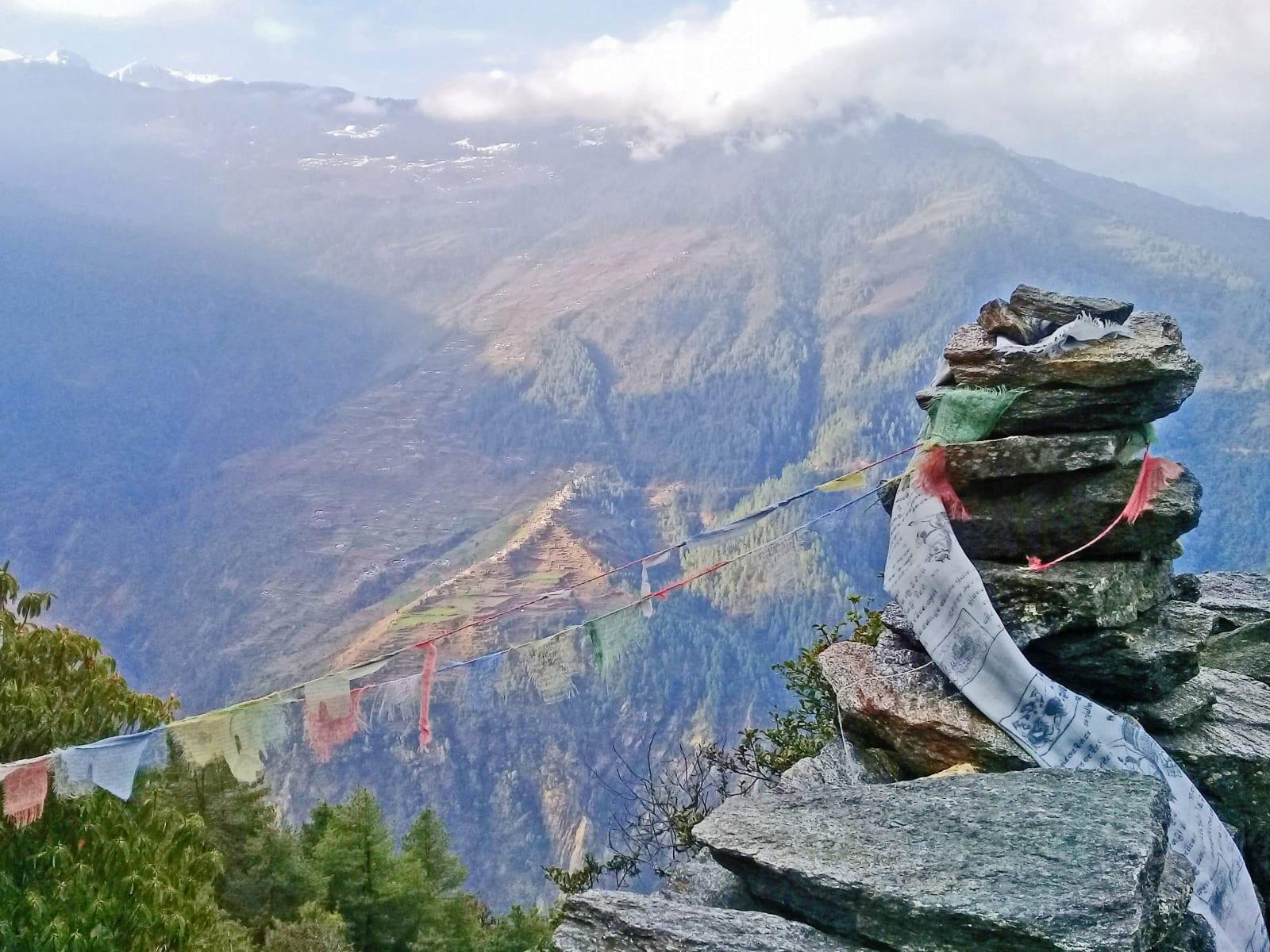 Z-vyhlídky-na-cestě-zpět-do-Syabrubesi-Nepál