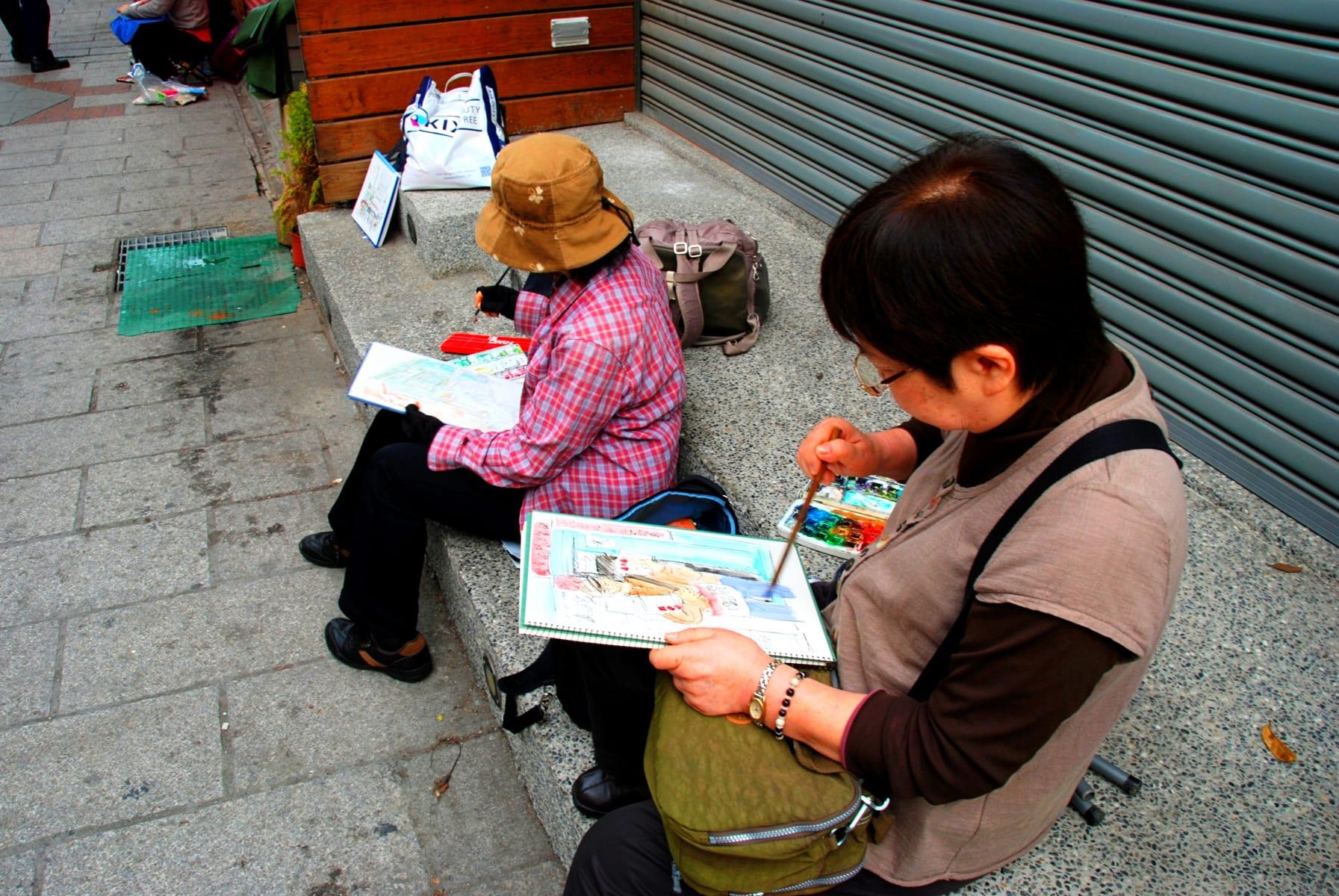 Místní Tchajwanky mi po rozhovoru o tom, jak milují Prahu, velmi ochotně zapózovaly