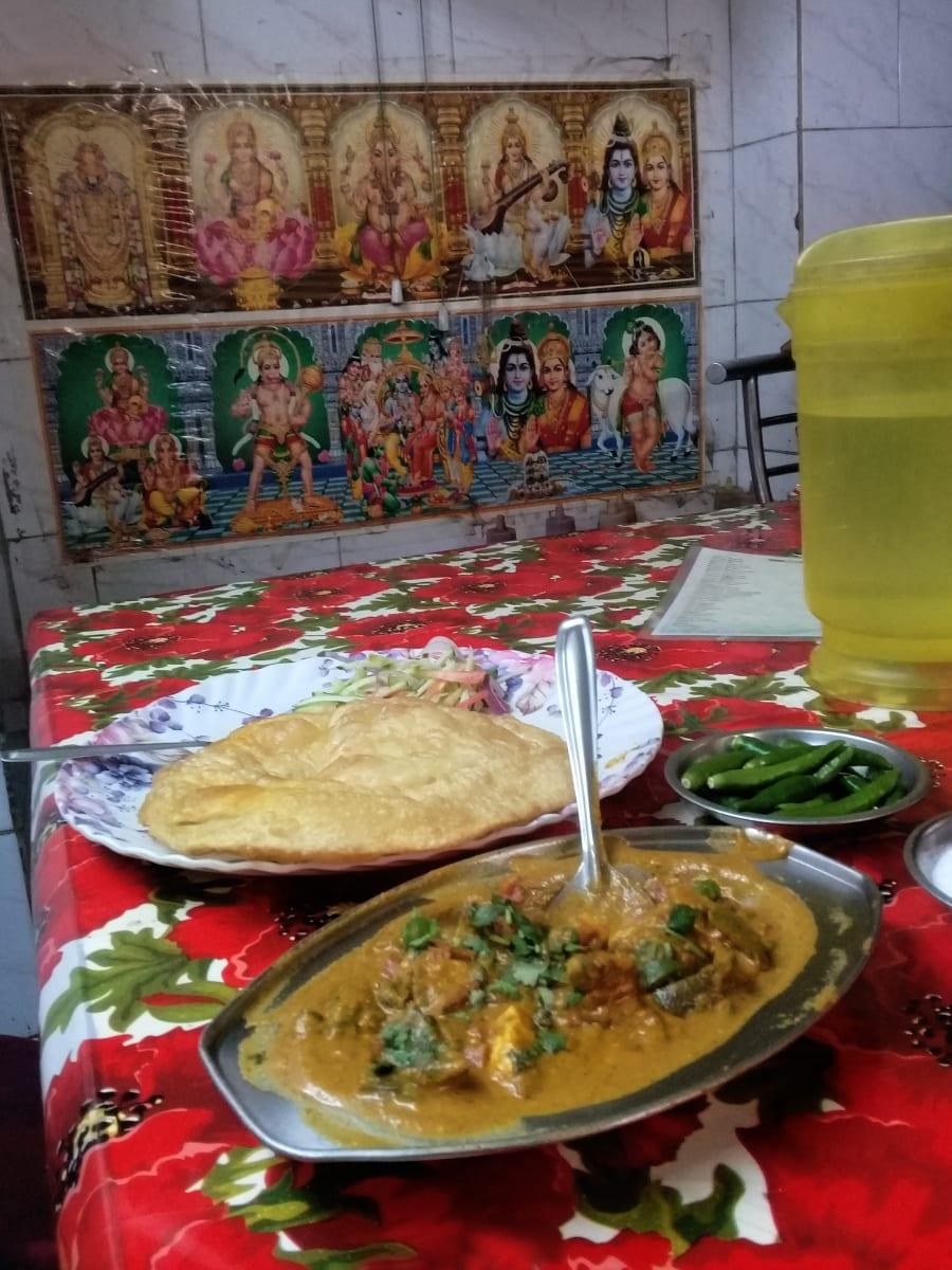 Oběd s Bohy, Kolkata