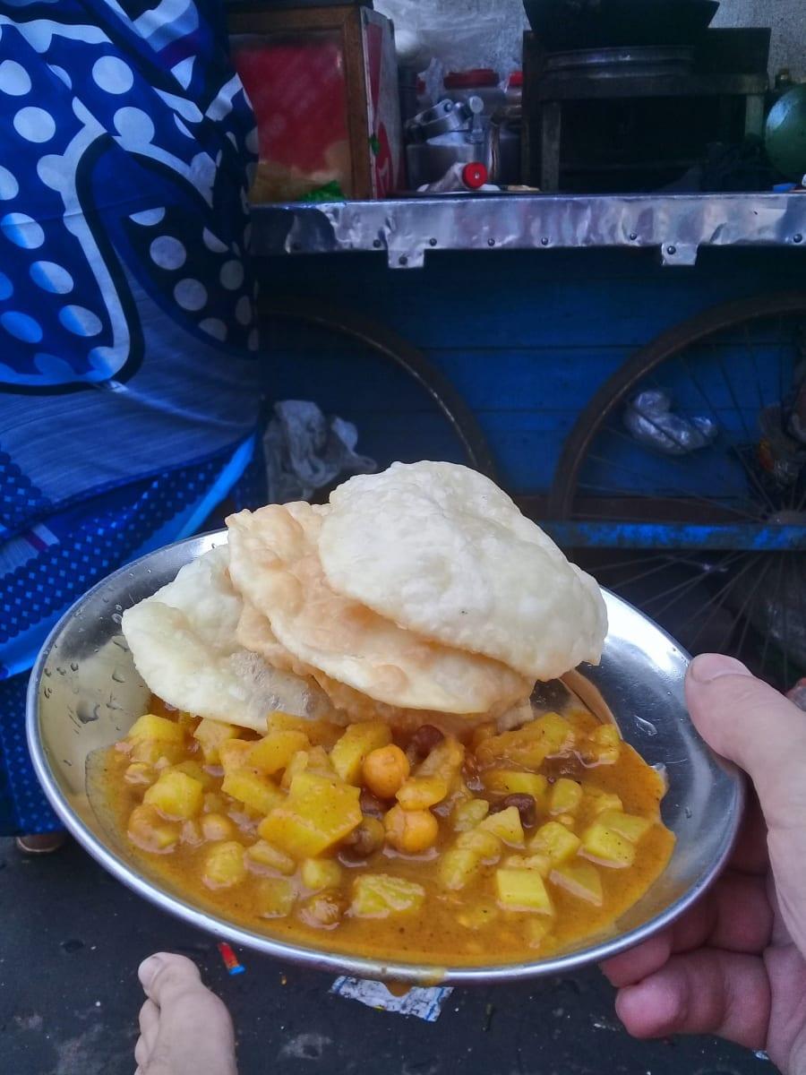 Oblíbené puri o mé oblíbené tetičky ze stánku na ulici, Kolkata